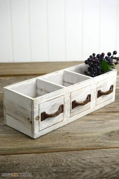 Wood Drawer Planter Box Drawer 3 Compartments - March 16 2019 at Wood Projects For Beginners, Small Wood Projects, Diy Pallet Projects, Woodworking Projects, Woodworking Furniture, Woodworking Inspiration, Lathe Projects, Shabby Chic Homes, Shabby Chic Decor