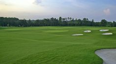 Expansive practice facilities • Governors Towne Club