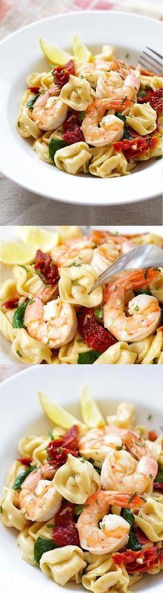 Garlic Shrimp Tortellini – AMAZING tortellini with garlic shrimp.