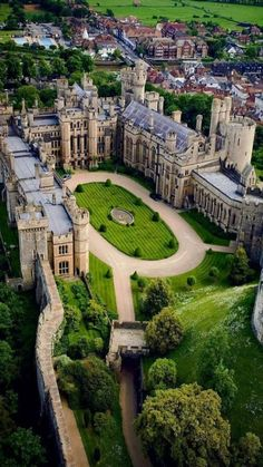 Arundel Castle is a restored medieval castle and stately home in Arundel, West Sussex, England. Beautiful Castles, Beautiful Buildings, Beautiful Places, Places Around The World, The Places Youll Go, Around The Worlds, Chateau Moyen Age, Mansion Homes, Arundel Castle