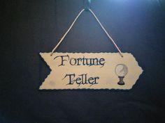 Flèche Circus // Fortune Teller par WayToFaery sur Etsy  https://www.etsy.com/fr/listing/206740531/fleche-circus-fortune-teller?ref=shop_home_active_13