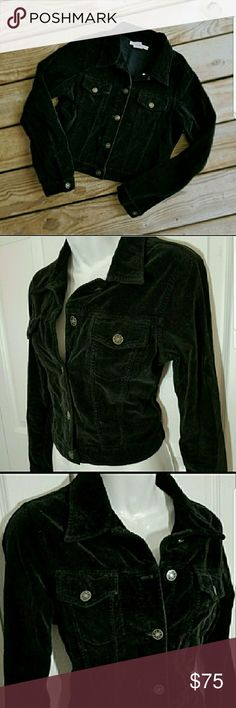 """Free People black velvet button front jacket 🎈Host Pick🎈 Best in Outerwear 11/24/17 Free People black velvet button front waist length  trucker style jacket. Sz Large juniors (See measurements) EUC!! Like new!! No damage, stains or holes. Dark black. No fading.100% cotton. Super soft velvet. Unlined. Brass metal buttons down the front, on the two chest pockets and at wrists.  Armpit to armpit: 18"""" OAL: 19"""" Sleeve length: 18"""" **All Measurements are done flat and are approx.  ☆Smoke Free…"""