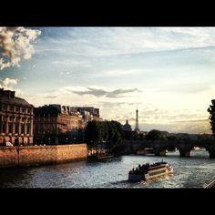 La Seyne, Paris