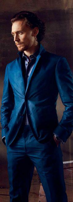 Tom Hiddleston in Calvin Klein by Max Vadukul - Esquire Feb 2012 I'm a sucker for blue on blue Tom Hiddleston Loki, Thomas William Hiddleston, Benedict Cumberbatch, Beautiful Men, Beautiful People, Avengers, Its A Mans World, British Men, Chris Hemsworth