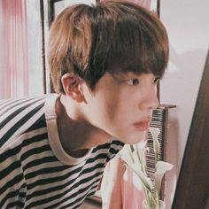 it's seokjin lockdown Seokjin, Kim Namjoon, Jung Hoseok, K Pop, Taehyung, Jin Icons, Story Instagram, Yoongi, Heechul