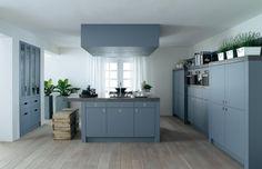 Open keuken in landelijk blauw. Door Tamara. Dit wordt de keuken.