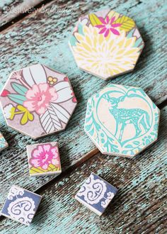 Easy Decoupaged Tile Magnets! These would make a great gift idea or stocking stuffer!