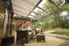 Tuinkamer van glas, met verwarming, LED verlichting en zonwering onder het glas, goede warmtewering, die langer schoon blijft.
