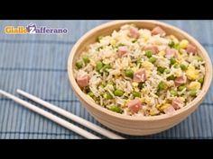 RISO ALLA CANTONESE (Cantonese fried rice), pietanza di origine #cinese, con riso lessato e saltato insieme a piselli, prosciutto, cipolla, uova strapazzate e salsa di soia.   Qui la #video #ricetta: http://ricette.giallozafferano.it/Riso-alla-cantonese.html #GialloZafferano #Ricettedalmondo #Cina