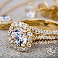 Hello sunshine! You make my heart glow. #diamonds #rings #engagementring #love #yellowgold