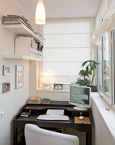 Enclosure and Decorating Ideas, 22 Small Sun Rooms Home office on enclosed balcony.Home office on enclosed balcony. Home Office Design, Home Office Decor, House Design, Home Decor, Office Ideas, Life Design, Home Office Na Varanda, Small Office Organization, Organization Ideas