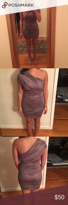 Mystic one shoulder dress Stretchy and comfy. One shoulder adjustable wrap dress. Size medium. 92% polyester 8% spandex Mystic Dresses One Shoulder