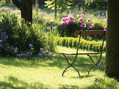 Ab ins Zuhause - Zum Grünauer Grün gehört eine echte grüne Oase. Ob Sie ein Buch unter Bäumen lesen, entspannen, gärtnern oder Ihren Kindern beim Spielen zusehen wollen, der perfekte Ort dafür ist: Ihr Zuhause. Zur Projekt-Webseite: http://ziegert-immobilien.de/de/projekte/Gruenauer-Gruen/