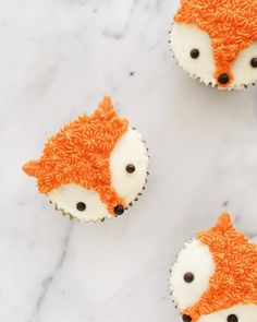 Made fox cupcakes inspired by Lyndsay Sung // Coco Cake Land ? Made fox cupcakes inspired by Lyndsay Sung // Coco Cake Land ? Cupcakes For Boys, Birthday Cupcakes, Baby Shower Cupcakes For Boy, Baby Cupcake, Deco Cupcake, Cupcake Cakes, Baking Cupcakes, Masha Et Mishka, Fox Cake