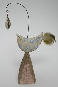 Shirley Vauvelle, Mixed Media Artist / Bird and leaf (earthenware and driftwood, 17cm x 12cm x 5cm)