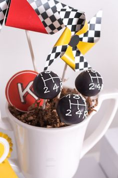 Start your engines for this Modern Race Car Birthday Party at Kara's Party Ideas. You'll love this monochromatic race background! 2nd Birthday Party For Boys, Race Car Birthday, Cars Birthday Parties, Birthday Ideas, Cake Birthday, Hot Wheels Party, Hot Wheels Birthday, Cars Cake Pops, Cars Theme Cake