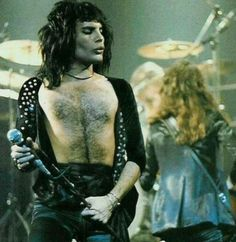 Queen on Stage. Brian May, John Deacon, Great Bands, Cool Bands, Beautiful Men, Beautiful People, King Of Queens, Roger Taylor, We Will Rock You