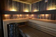 Sauna in Barnwood finnisch Winter Lodge, Steam Sauna, Spa Rooms, Modern Rustic, Barn Wood, Saunas, Relax, Wellness, Cabin