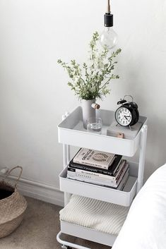 61 SIMPLY AMAZING Small Space HACKS for your TINY BEDROOM! - Simple Life of a Lady Organizing a tiny-spaced bedroom doesn't have to be that hard. Here are small bedroom ideas that you can try to make a haven out of your tiny space! Decor Room, Diy Bedroom Decor, Ikea Bedroom Design, Ikea Small Bedroom, Bedroom Inspo, Bedroom Designs, Bedroom Couch, Small Bedroom Storage, Bedroom Table