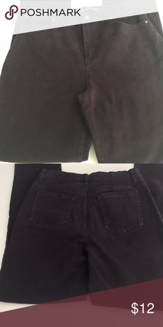Purple straight leg jeans size 10 Purple straight leg jeans size 10. Perfect for fall. Very nice brushed denim fabric. Gloria Vanderbilt Jeans Straight Leg