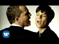 Miguel Bose - Como un lobo [Dueto 2007] (Video clip) - YouTube