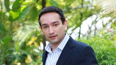 Sid Talwar, Partener la o companie de firma luminoase vrea sa investeasca 100 de milioane de dolari in crearea de firme luminoase.