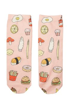 All of our favourite food groups on one sock? Heck yes! Comfy poly-cotton mix socks that are sure to get your tummy grumbling.  colour: print perfection
