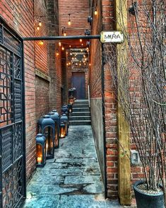 Have to see some of these! 16 Little Known Spots That Will Show You A Side Of Toronto You've Never Seen Before - Narcity Toronto City, Toronto Travel, Toronto Vacation, Visit Toronto, Restaurants Downtown Toronto, Toronto Bars, Toronto Shopping, Travel Portland, Toronto Hotels