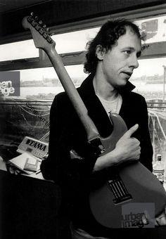 Dire Music Is Life, New Music, Signature Guitar, Music Words, Dire Straits, Best Guitarist, Mark Knopfler, Film Score, Jazz Musicians