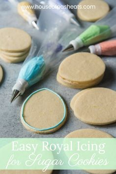 recipe Beautifully decorated cut-out cookies for every celebration and holiday are totally attainable at home with this easy royal icing recipe for sugar cookies and a few tips & tricks to give you the confidence you need to try this technique yourself! Sugar Cookie Royal Icing, Soft Sugar Cookies, Iced Cookies, Cut Out Cookies, Easter Cookies, Cookies Et Biscuits, Royal Frosting, Best Royal Icing Recipe For Cookies, Meringue Powder Royal Icing