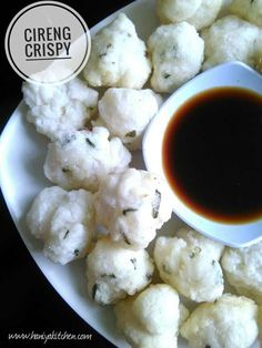 Resep cireng Crispy Dessert Simple, Easy Cooking, Cooking Recipes, Indonesian Food, Indonesian Recipes, Traditional Cakes, Weird Food, Savory Snacks, Spicy Recipes