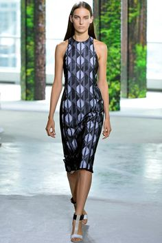 Boss Spring 2015 Ready-to-Wear - Jason Wu's Boss is for the strong and confident who is aware of she is and where she is going and styles herself with that same conviction. thestyleweaver.com