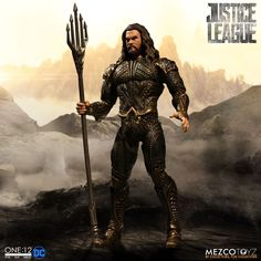 Mezco One:12 Collective Action Figure - Justice League Aquaman - Pre-Order