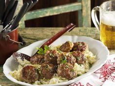 Frikadellen nach Münchner Art (Fleischpflanzerl) dazu Sauerkraut ist ein Rezept mit frischen Zutaten aus der Kategorie Fleisch. Probieren Sie dieses und weitere Rezepte von EAT SMARTER!