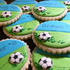 Iced Cookies, Cute Cookies, Royal Icing Cookies, Cupcake Cookies, Sugar Cookies, Cookies Et Biscuits, Soccer Treats, Soccer Cookies, Soccer Cupcakes