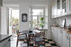 scandinavian interior design Interior Desing, Scandinavian Interior Design, Kitchen Interior, French Country, Kitchen Dining, Gallery Wall, Real Estate, Windows, Inspiration