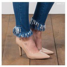A skinny com barra assimétrica é o ponto de partida para uma composição diferenciada. Look infalível para as mães fashionistas! #DiadasMãesGdoky #Wishlist #SkinnyJeans #BarraAssimétrica 💙