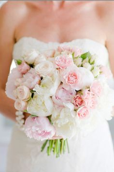 Light pink wedding bouquet
