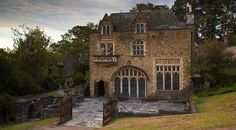 Montsalvat > Not For Profit - Art Centre / Wedding Venue / Melbourne Australia