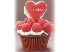 Schoko-Cupcake mit Himbeeren   Zeit: 30 Min.   http://eatsmarter.de/rezepte/schoko-cupcake-mit-himbeeren