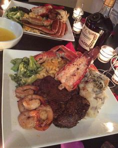 The kind of surf & turf plate anyone would love. Steak, shrimp, lobster tail, loaded mashed potatoes, crab legs, mac-n-cheese & broccoli! Mouth is watering now...