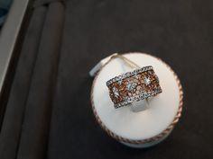 Gioielleria Bagnoli : INDOSSA LA GIOIA! #gioielleriaMilano #gioielliestate2019  #fedinuzialiMilano  Gioielleria BAGNOLI V.le Zara,132 MILANO TEL.02-69900143 mm5-lilla fermata Istria Con Laura Bagnoli Milano, Zara, Wedding Rings, Engagement Rings, Jewelry, Enagement Rings, Jewlery, Jewerly, Schmuck