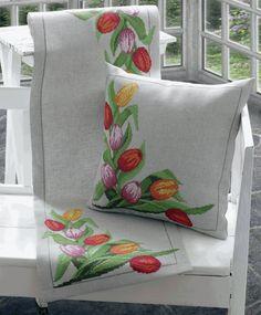 Ponto Cruz em Flores Tulipas Cama -   /   Cross Stitch to Flores Tulips Couch  -