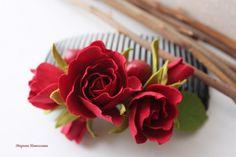 Гребень с розами и вишенкой из фоамирана