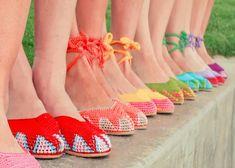 1964- Complementos: Zapatillas de Crochet   Labores en Red