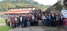Si hay una actividad que ha conseguido darle a Galicia proyección internacional y al mismo tiempo generar empleo en el rural es el vino. La ciencia del vino, la enología, sin embargo, hay que estudiarla fuera. Ninguna de las tres universidades gallegas cuenta con una titulación en este campo