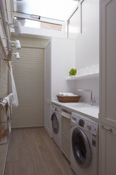 Small laundry mudroom ideas lovely diy projects home décor farmhouse style and a little about life Outdoor Laundry Rooms, Small Laundry Rooms, Laundry Room Design, Bedroom Red, Small Room Bedroom, Basement Laundry, Laundry Room Organization, Diy House Projects, Suites