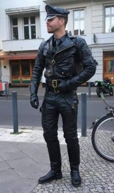 Leather Trousers, Leather Gloves, Leather Men, Black Leather, Leather Jacket, Motorcycle Leather, Motorcycle Jacket, Black Men, Black And Brown