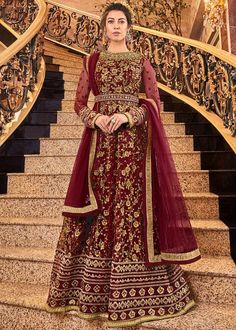 Looking to buy Anarkali online? ✓ Buy the latest designer Anarkali suits at Lashkaraa, with a variety of long Anarkali suits, party wear & Anarkali dresses! Robe Anarkali, Costumes Anarkali, Bridal Anarkali Suits, Salwar Suits, Designer Anarkali, Designer Gowns, Abaya Style, Churidar, Sharara