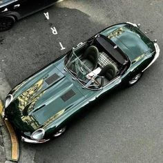 Throughout the early stages of the Jaguar XK-E, the lorry was supposedly planned to be marketed as a grand tourer. Changes were made and now, the Jaguar … Luxury Sports Cars, Classic Sports Cars, Bmw Classic Cars, Sport Cars, Jaguar E Type, Jaguar Cars, Retro Cars, Vintage Cars, Dream Cars